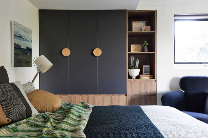A small double room that mixes modern with retro