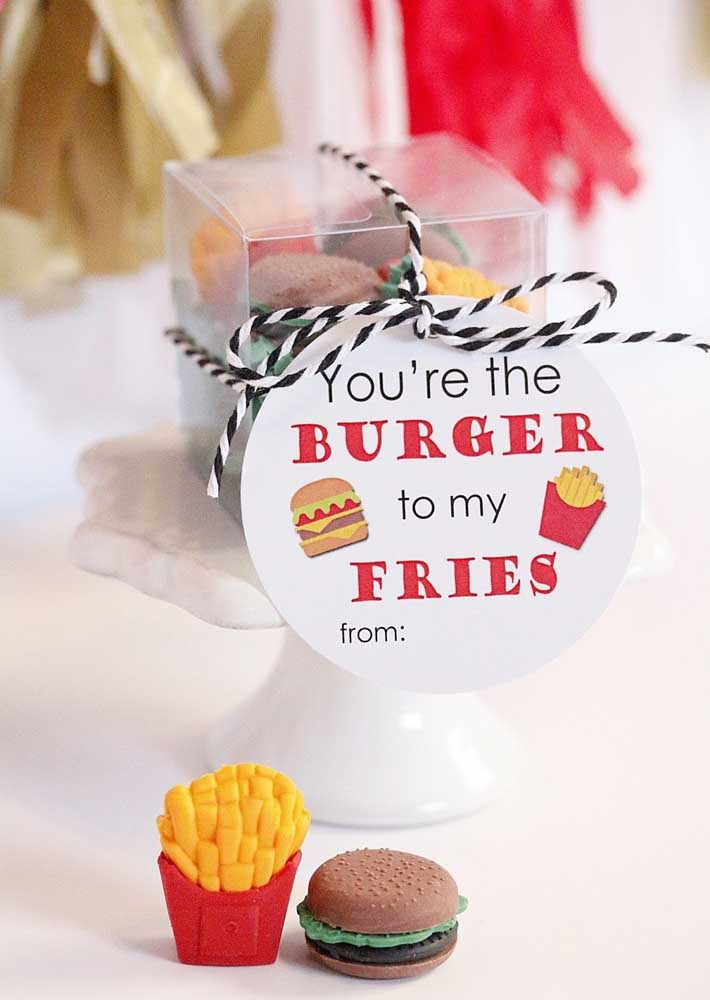 A beautiful souvenir idea for the hamburger night