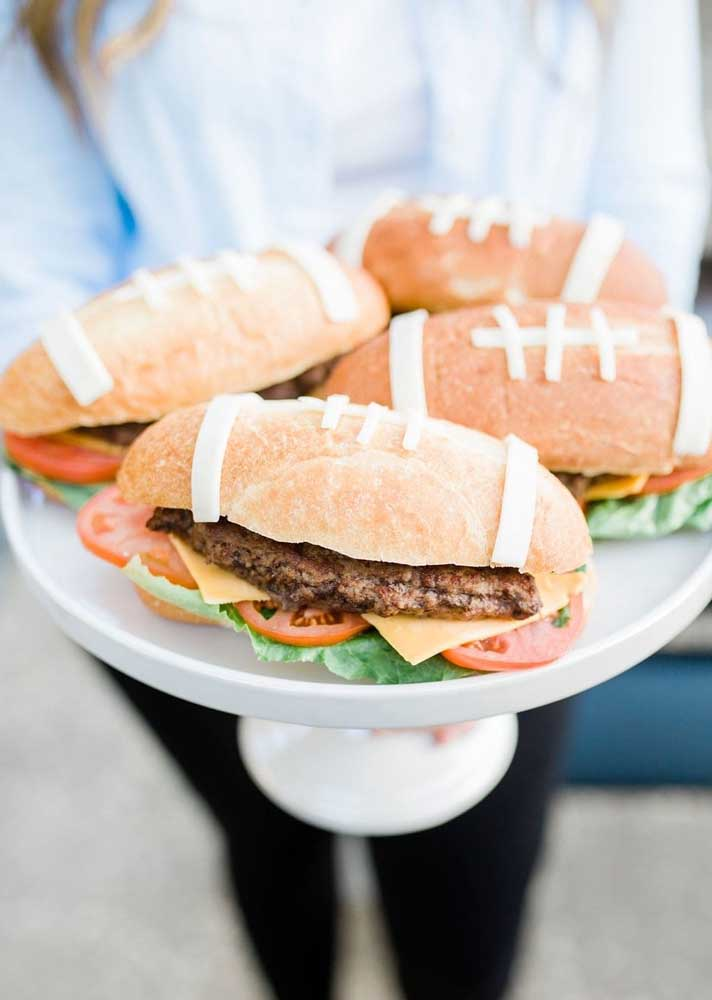 Creativity without limit: bread with the face of American football