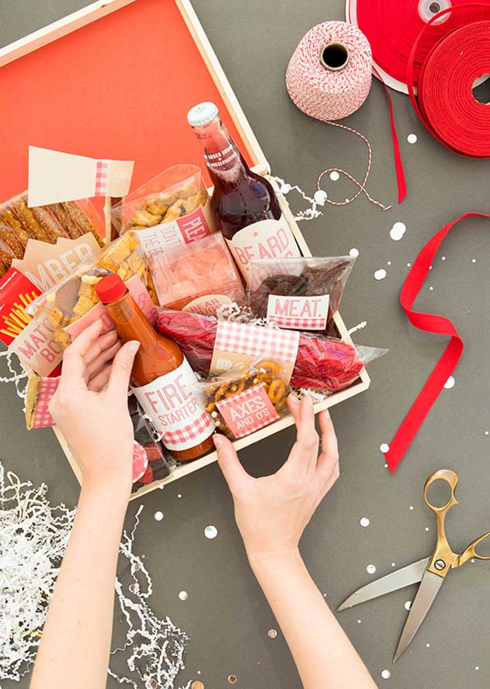 Include in the gift: beer, snacks and pepper