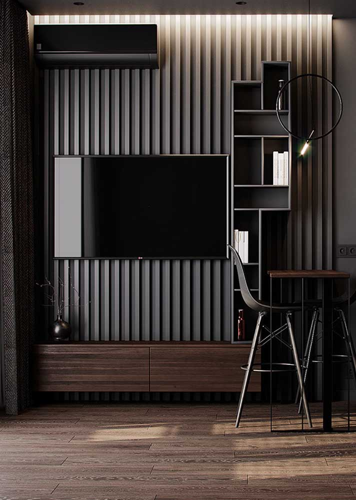 Black room with touches of wood. Tailored elegance!