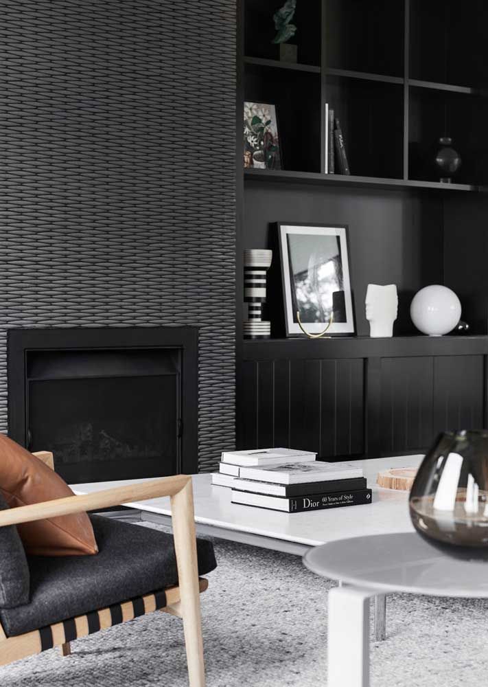 Here, the well-lit room bet on the use of black