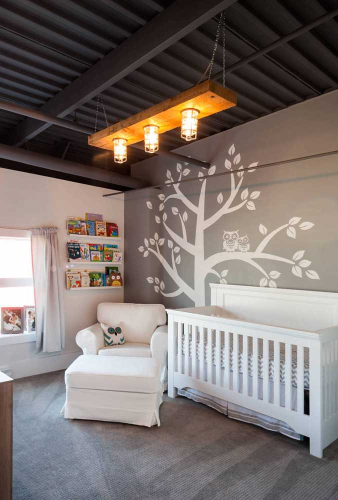 The baby's room was mega stylish with the use of the black sandwich tile