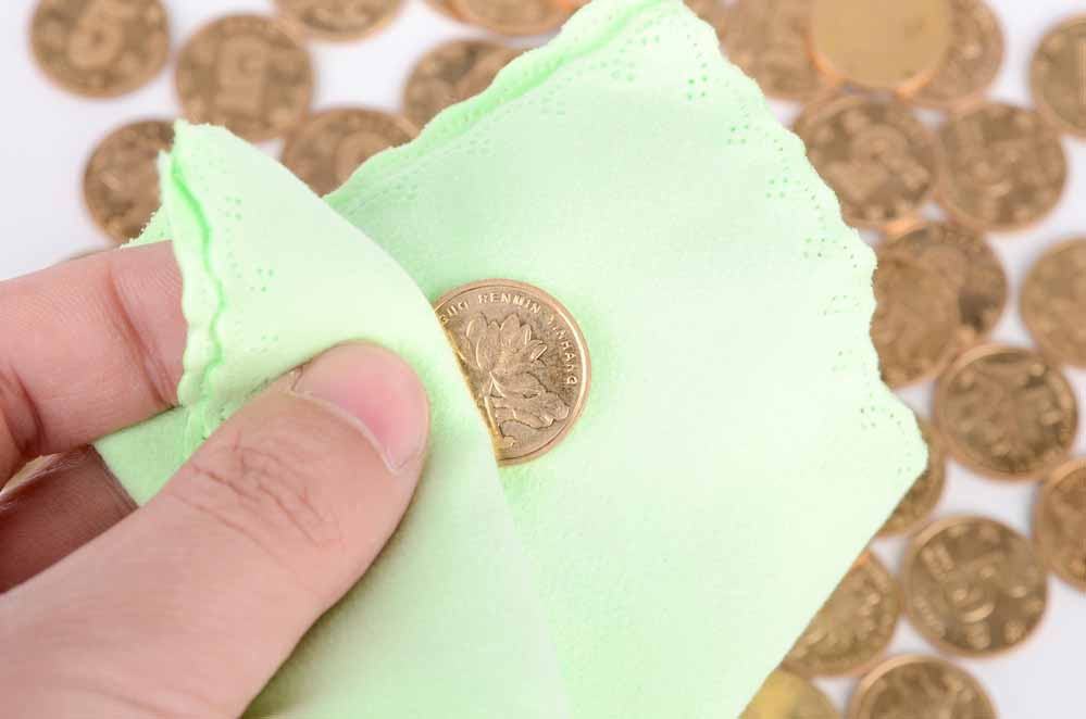 How to clean old coins: what not to do