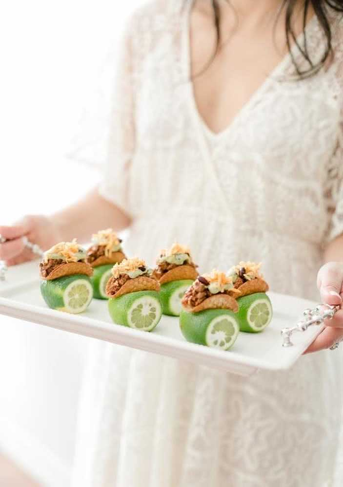 Mini tacos served with lemon!