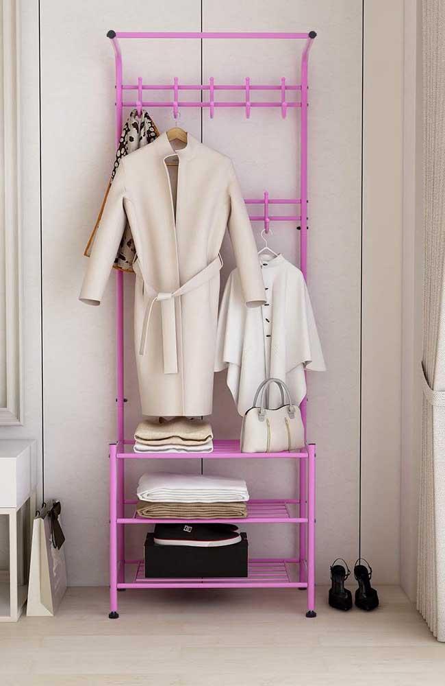 Que tal uma arara de roupas em pink?