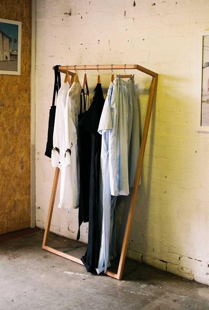 Arara de roupas moderna com um design para inspirar o seu projeto