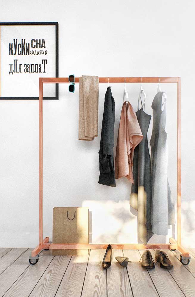É importante que a altura da arara de roupas esteja de acordo com o tamanho das suas peças