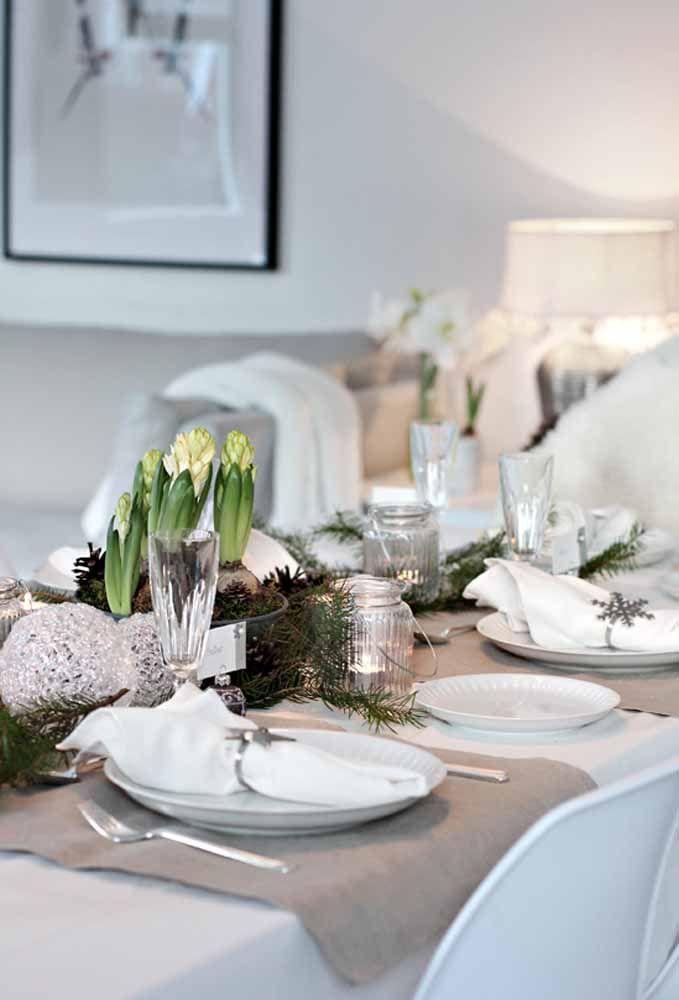Copo de cristal deixa qualquer mesa de natal fina e elegante