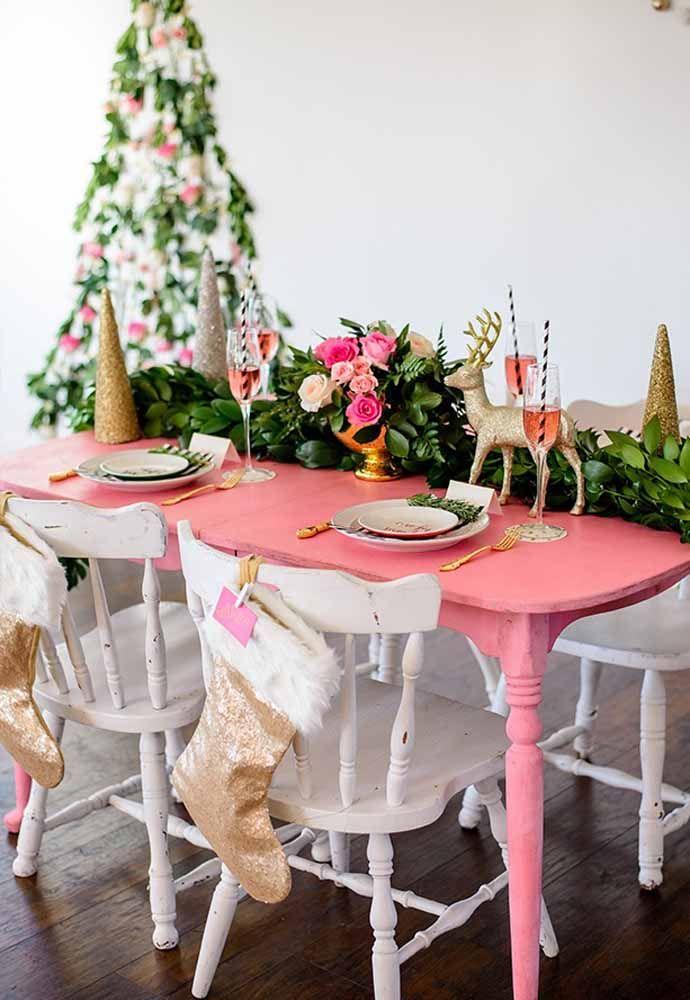 Alguns itens especiais para lembrar uma mesa de natal
