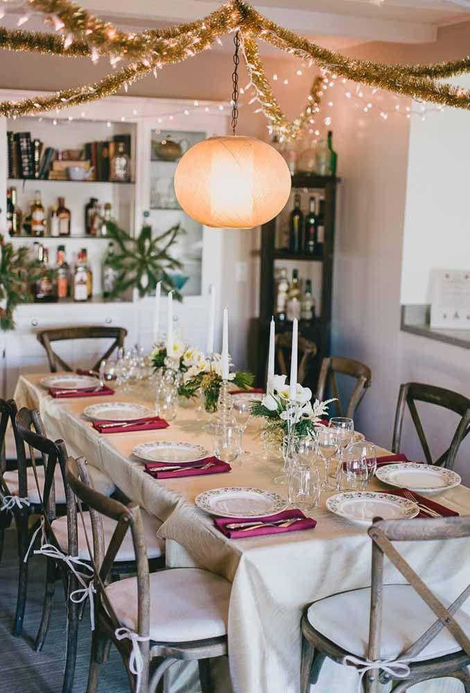 Decoração simples e sofisticada para a mesa de Natal