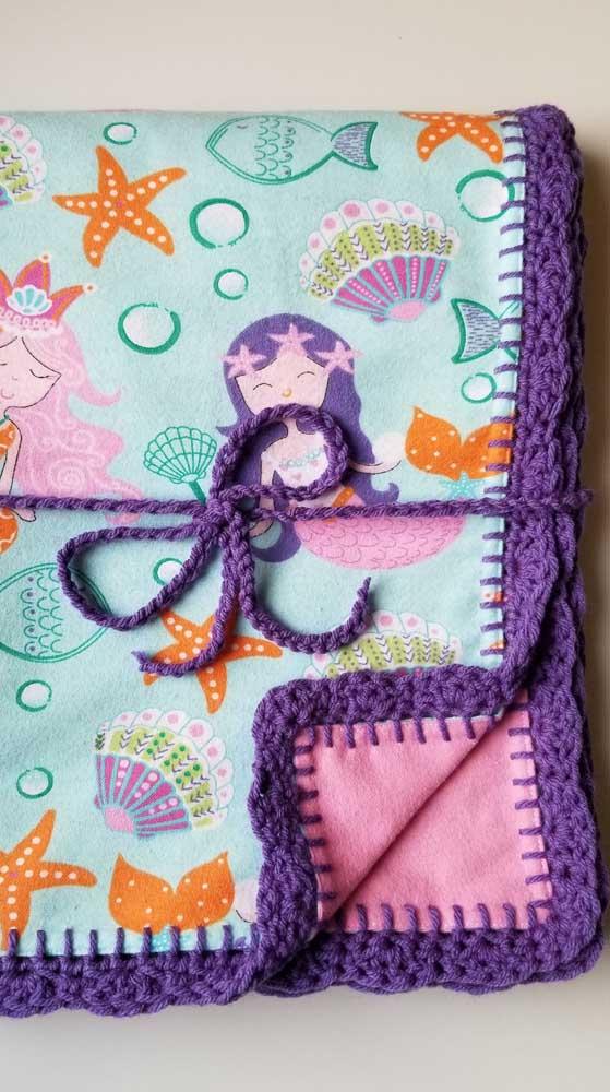 Se ainda estiver aprendendo crochê, comece fazendo apenas o barrado em uma manta comum