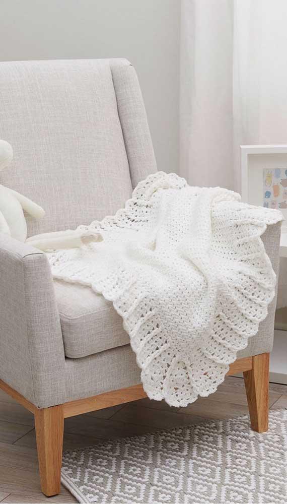 Tem coisa mais delicada que uma manta de crochê branca para bebê?