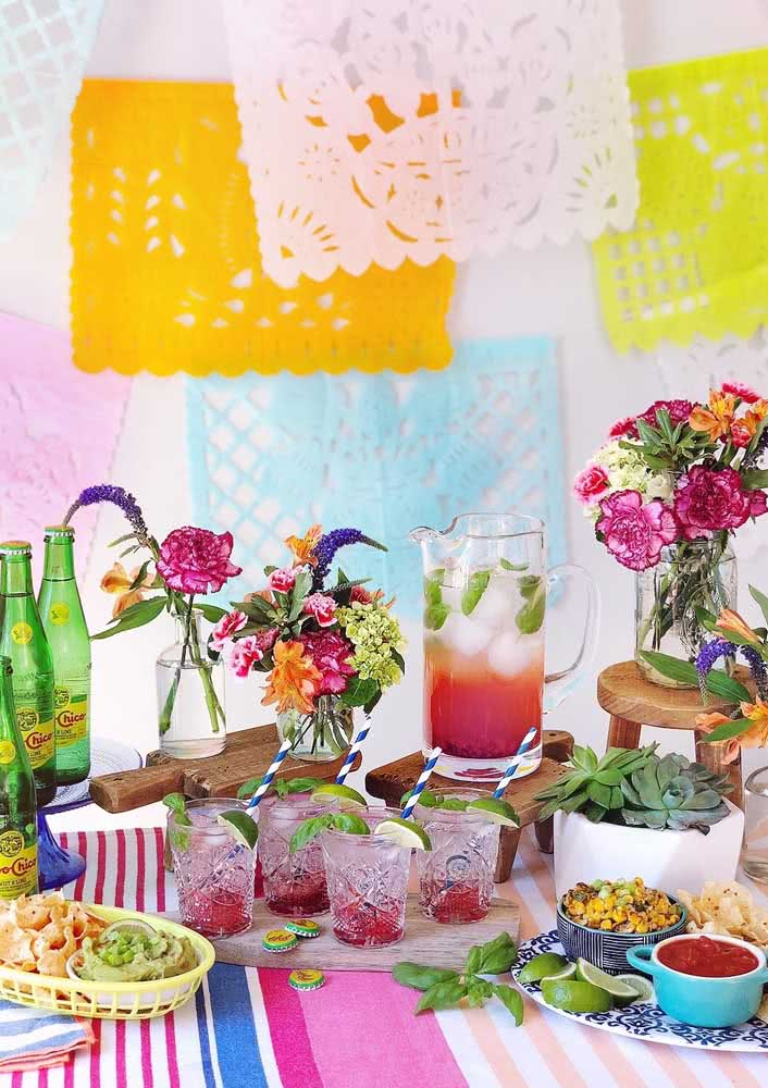 Mexican dinner decoration: colorful and cheerful