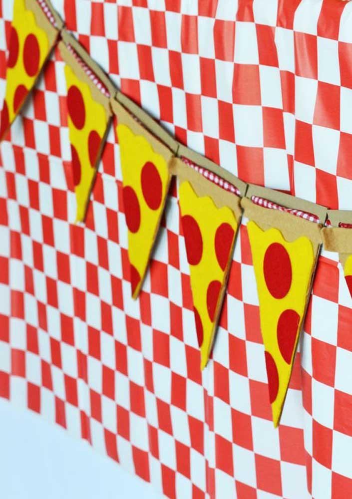 Decoração para noite da pizza: bandeirolas temáticas!