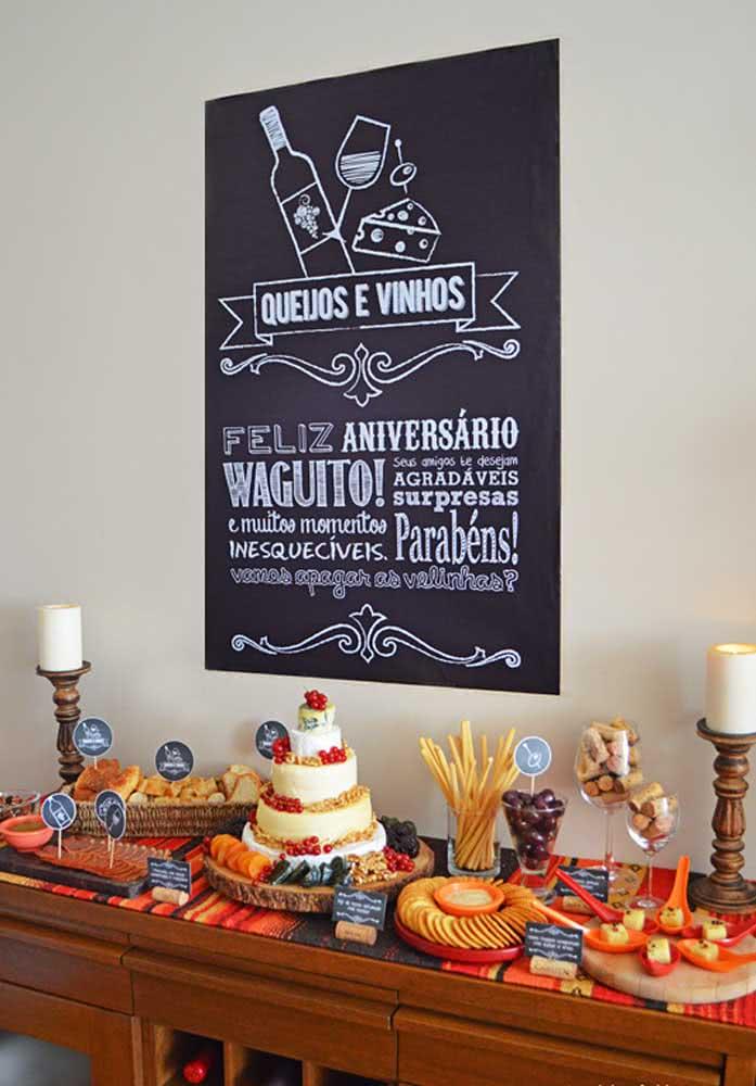 E o que acha de comemorar o aniversário com uma noite de queijos e vinho?