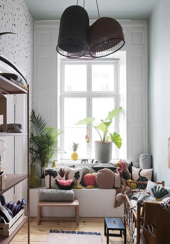 Trio de lustres cheio de estilo para fechar a decoração do quarto do bebê