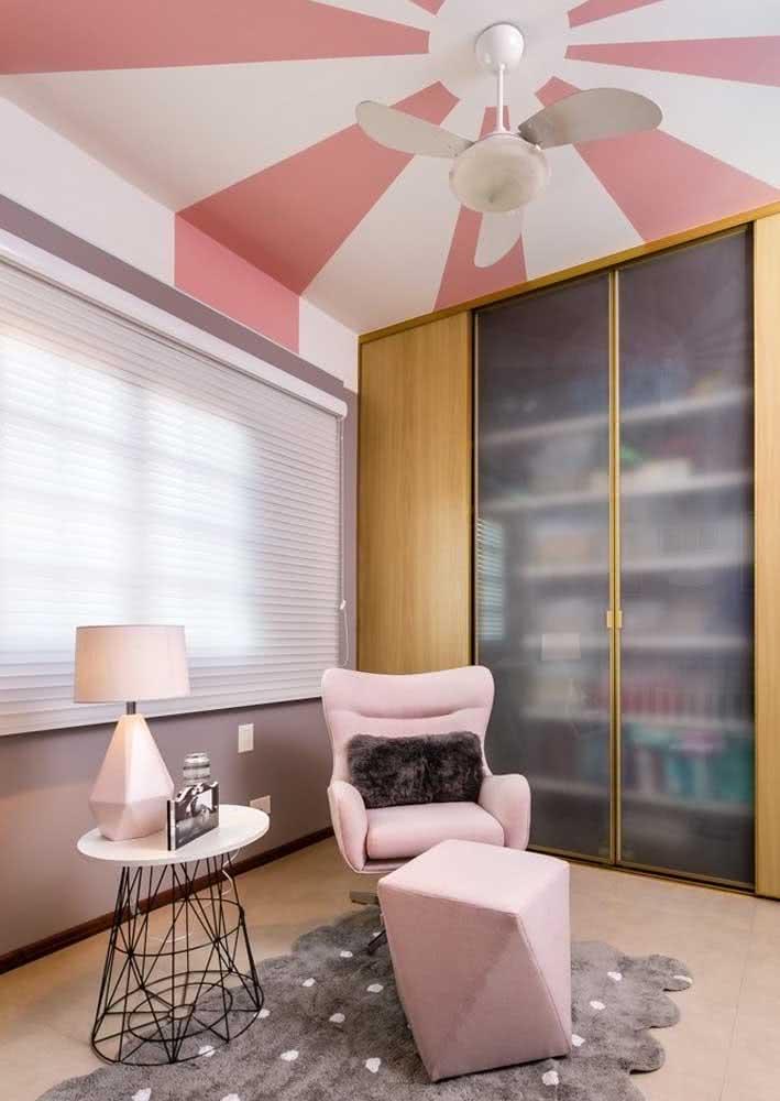 E se o calor é grande aí onde você mora, opte por um lustre com ventilador