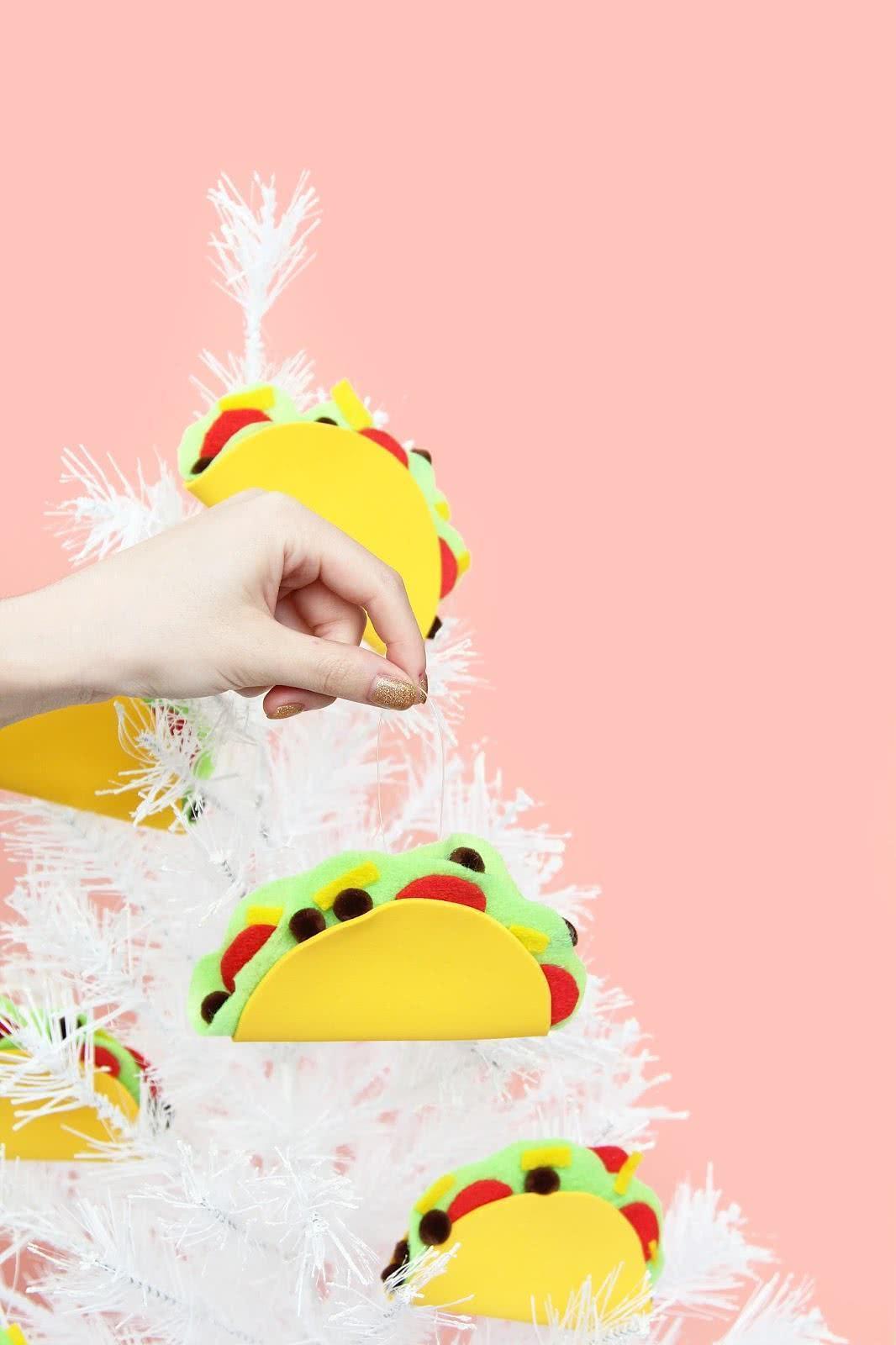 Decore sua árvore de Natal com estilo mexicano