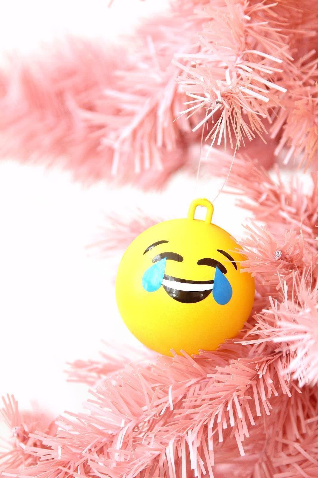 Árvore de Natal de emoji