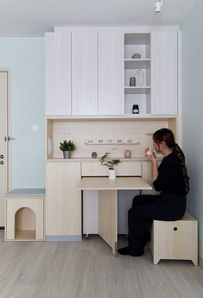 Casinha de cachorro combinando com o móvel da cozinha