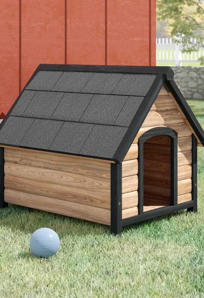 Em áreas externas, a casinha de cachorro precisa ter um bom telhado
