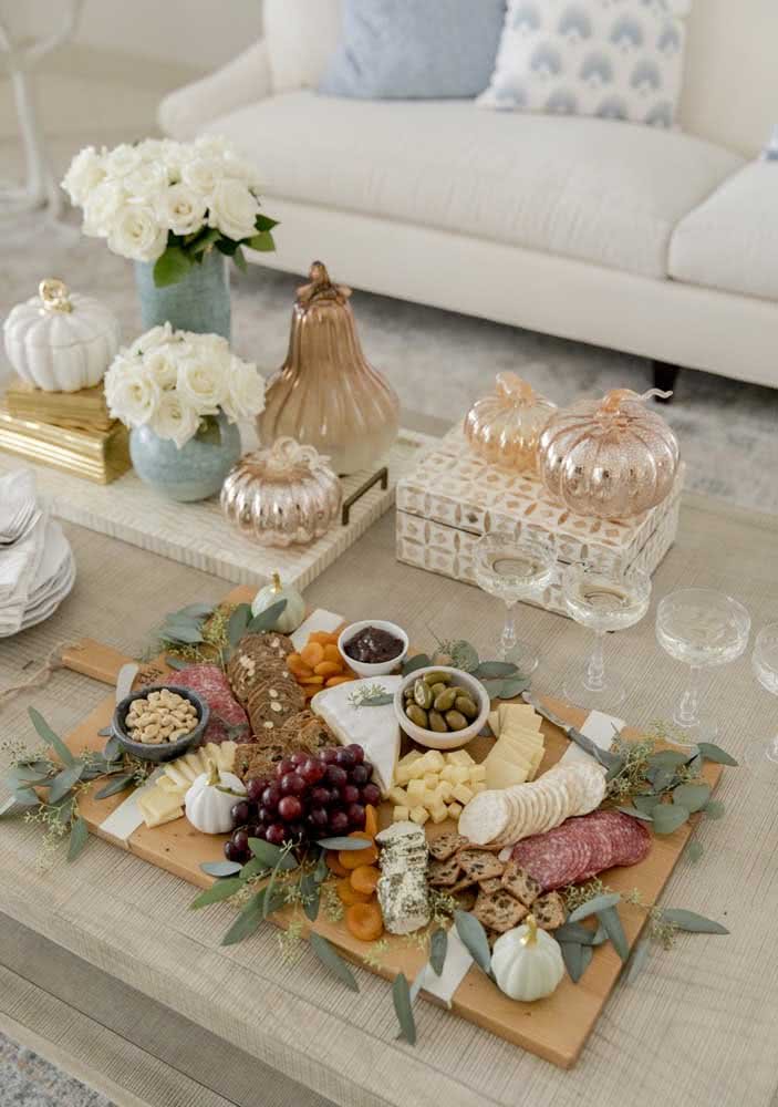 Cold cutting board for a simple yet super elegant reception