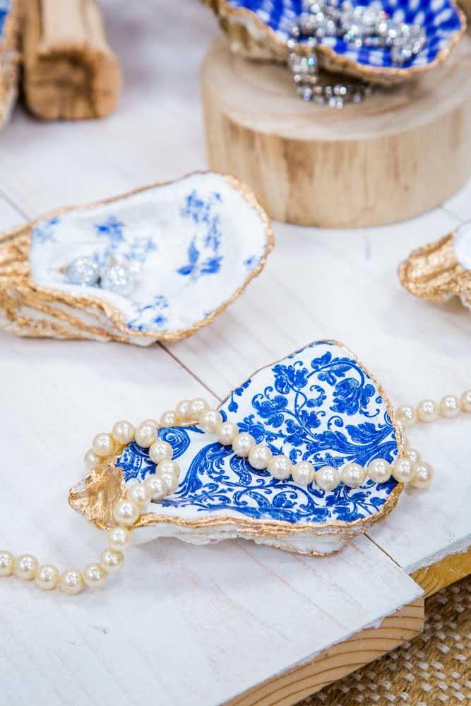 As conchas do mar podem receber pinturas especiais feitas a mão