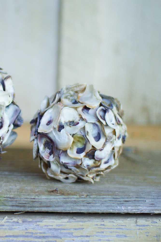 Artesanato com conchas para adornar móveis como aparadores, mesas de centro e mesas de jantar