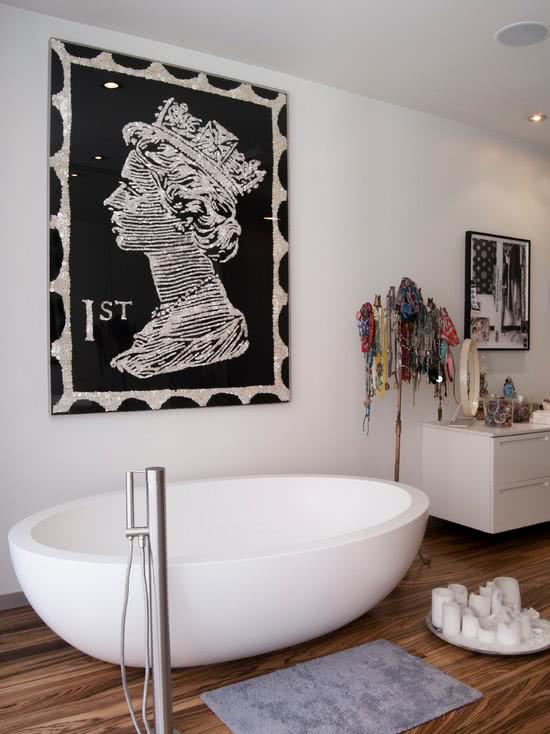 Modern white oval bathtub