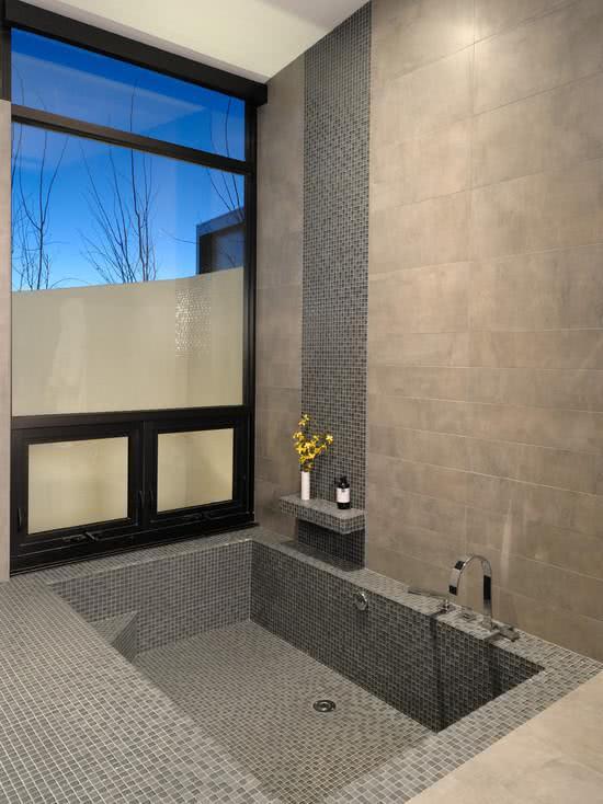 Bathtub with tile coating