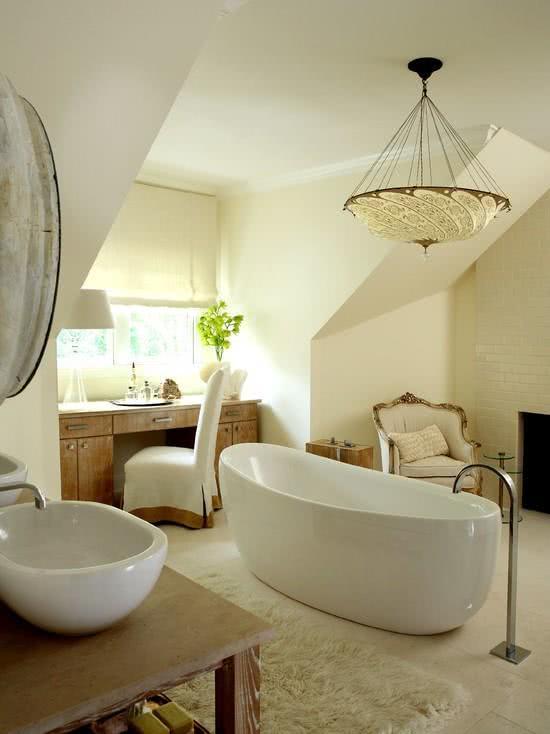 Thin white bathtub