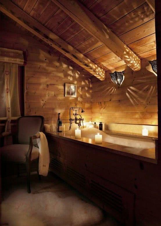 """Bathroom style """"hut"""" with bathtub"""