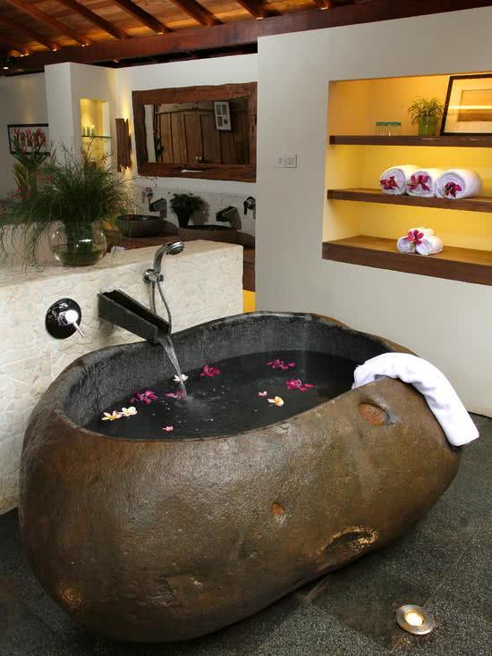 Stone shaped bathtub