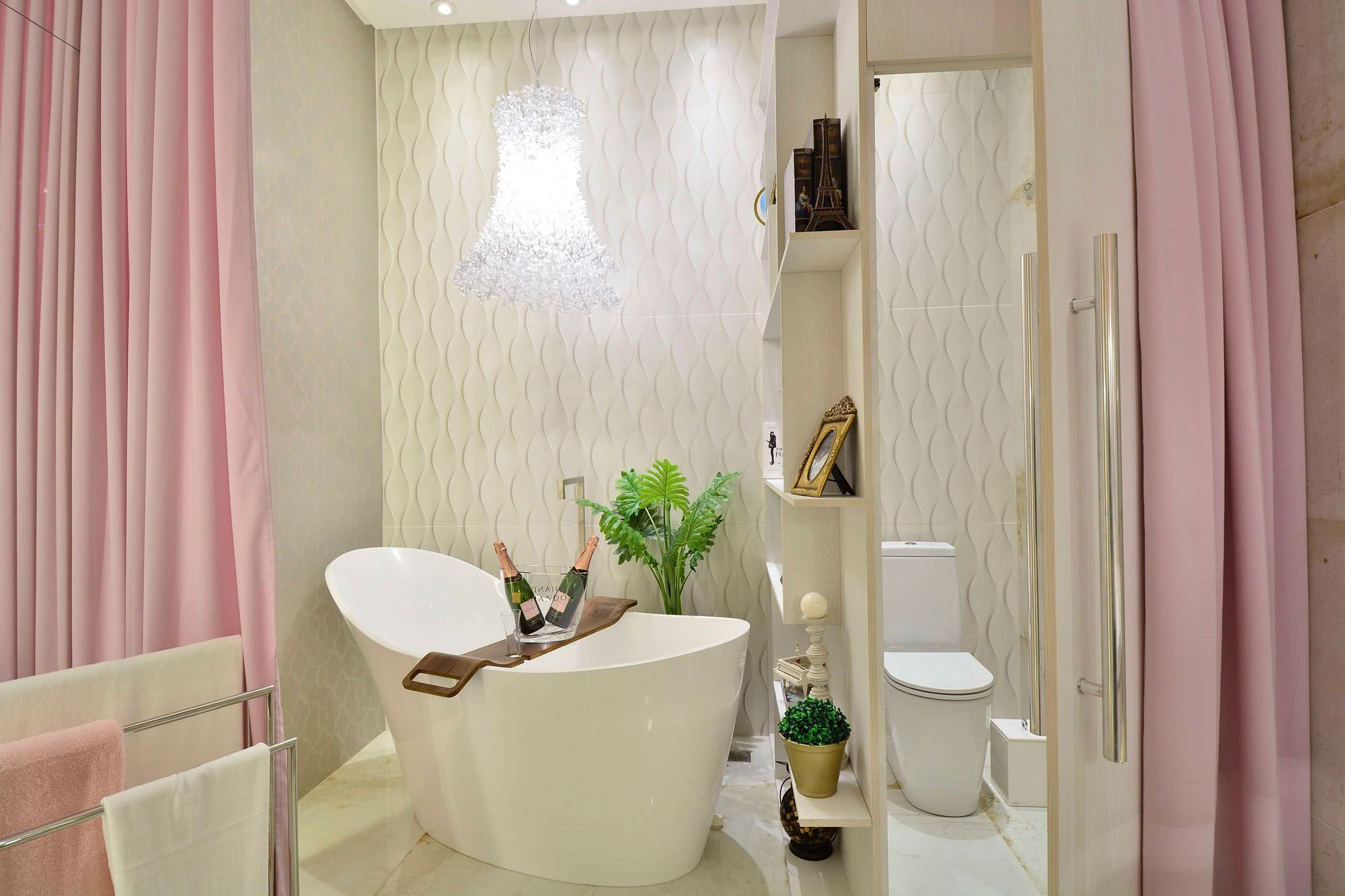 Get inspired in the Pink bathroom with clean footprint