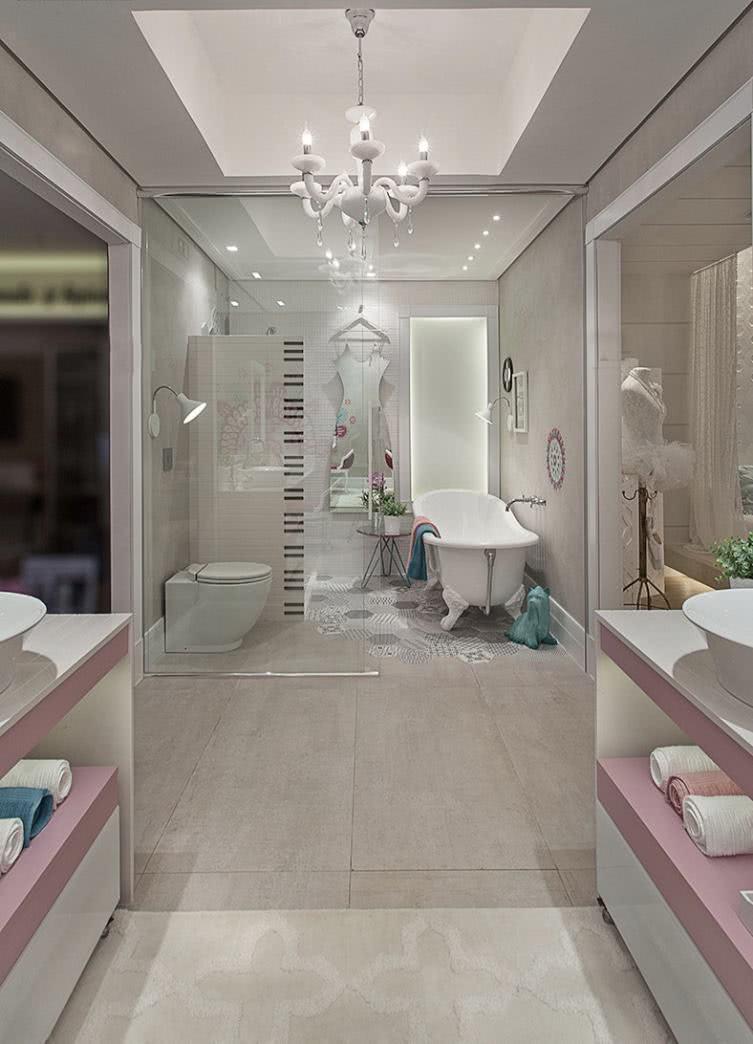 Girl bathroom with bathtub