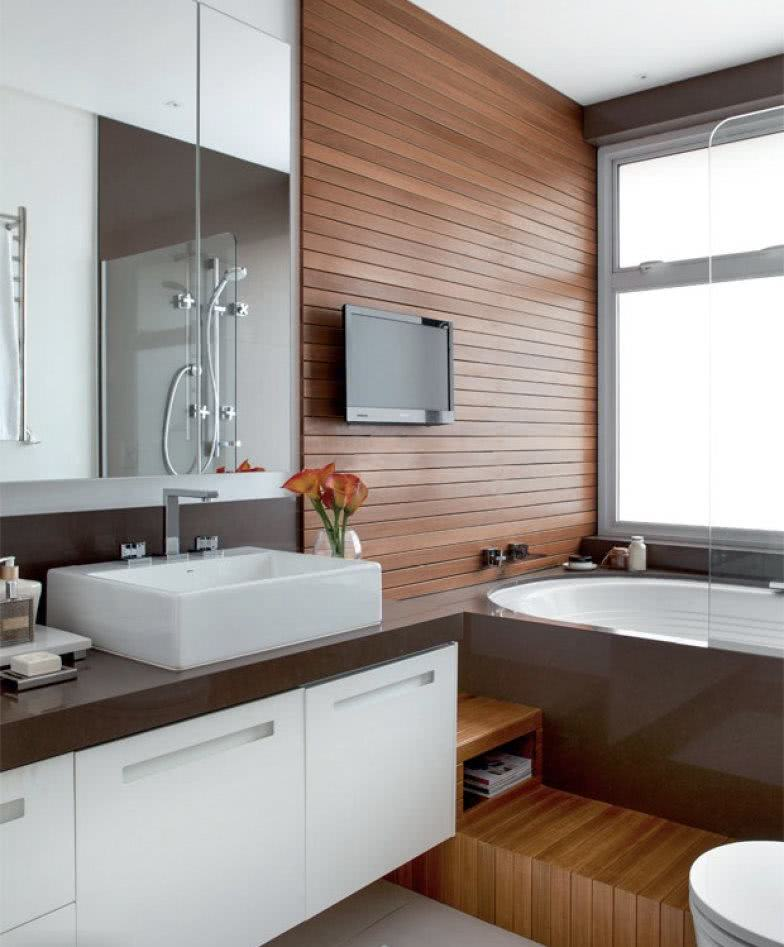 Bathroom with wooden details