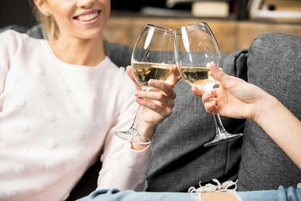 Types of glasses: white wine