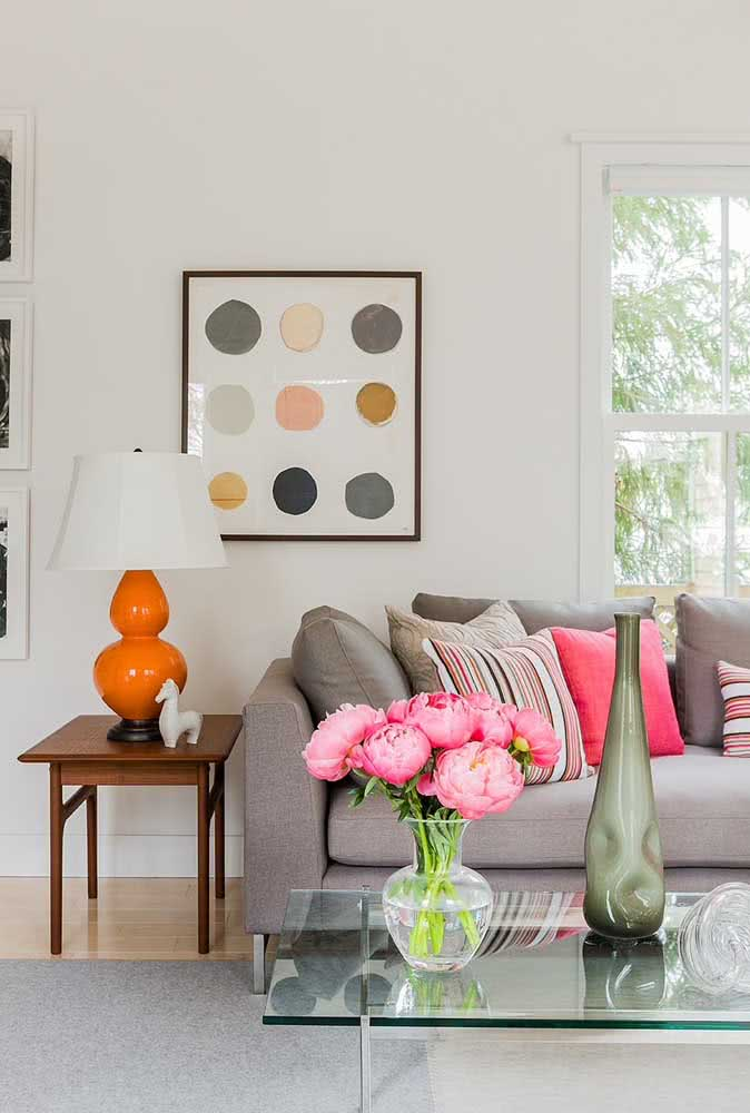Beautiful and abundant, the arrangement of peonies literally fills the decor