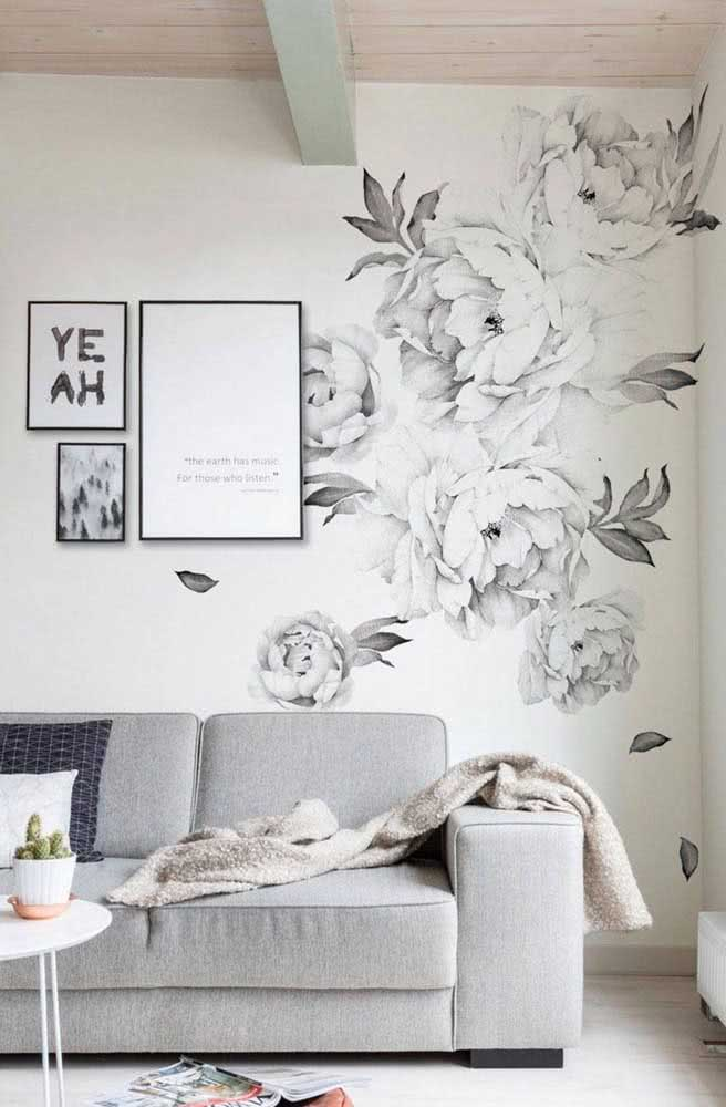 Here, for example, peonies were beautifully used in shades of black and white