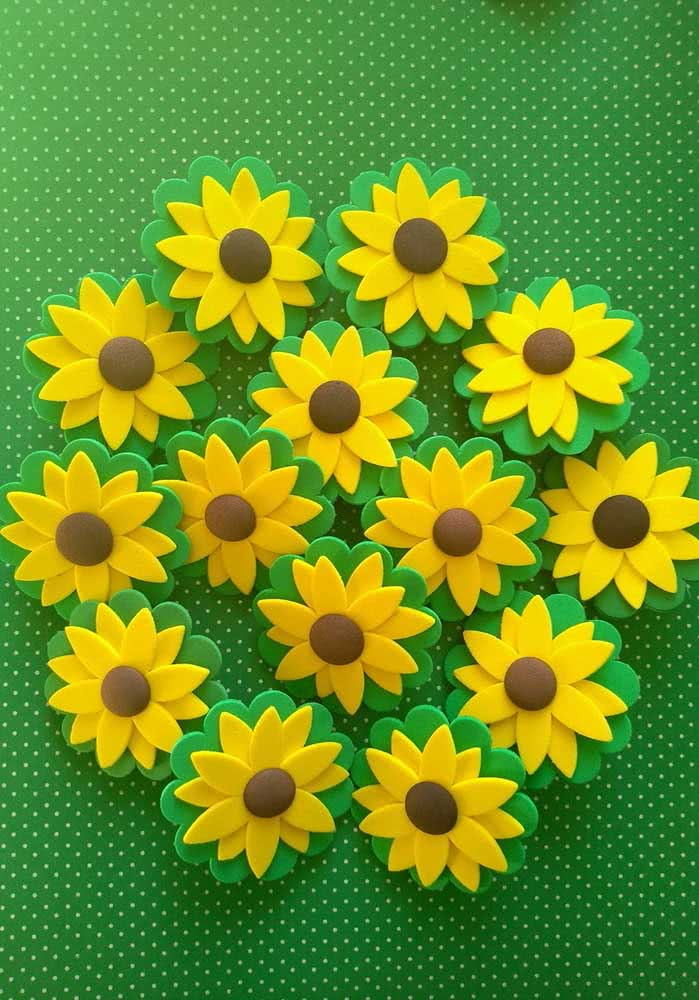 EVA sunflowers ready.  With them, you can set up a panel or make souvenirs