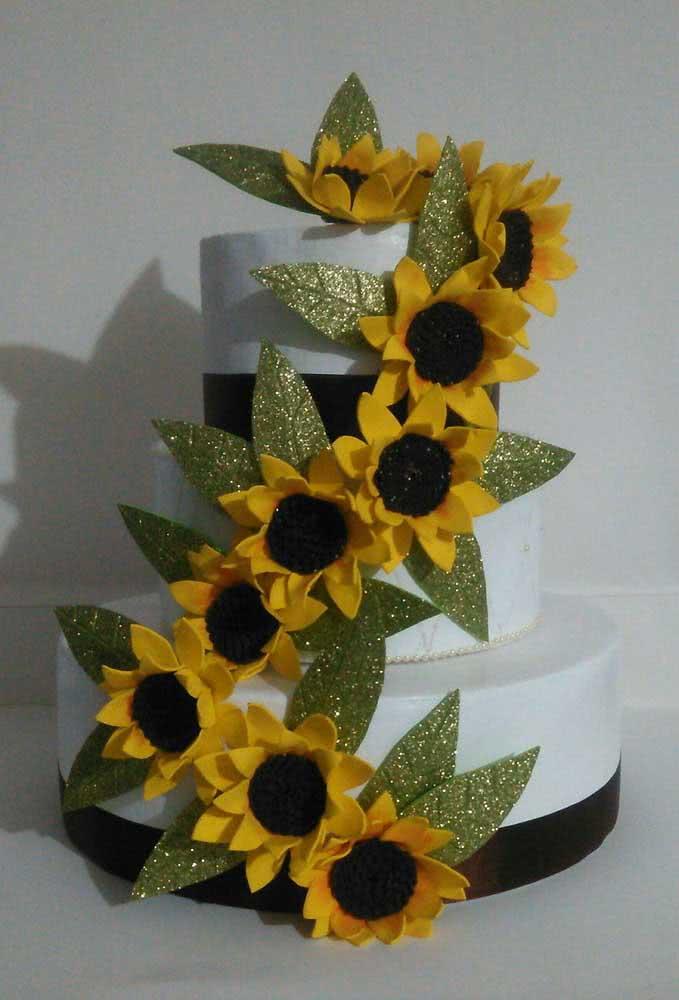 Cake decorated with EVA sunflower flowers