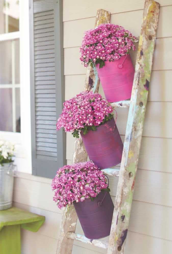 Decorate your home with flowers and spread color and joy!