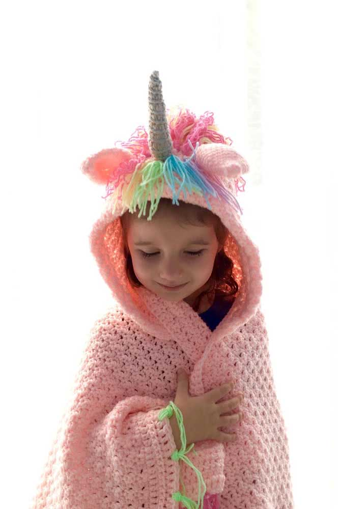 Here, the idea is to make a unicorn blanket, will you?