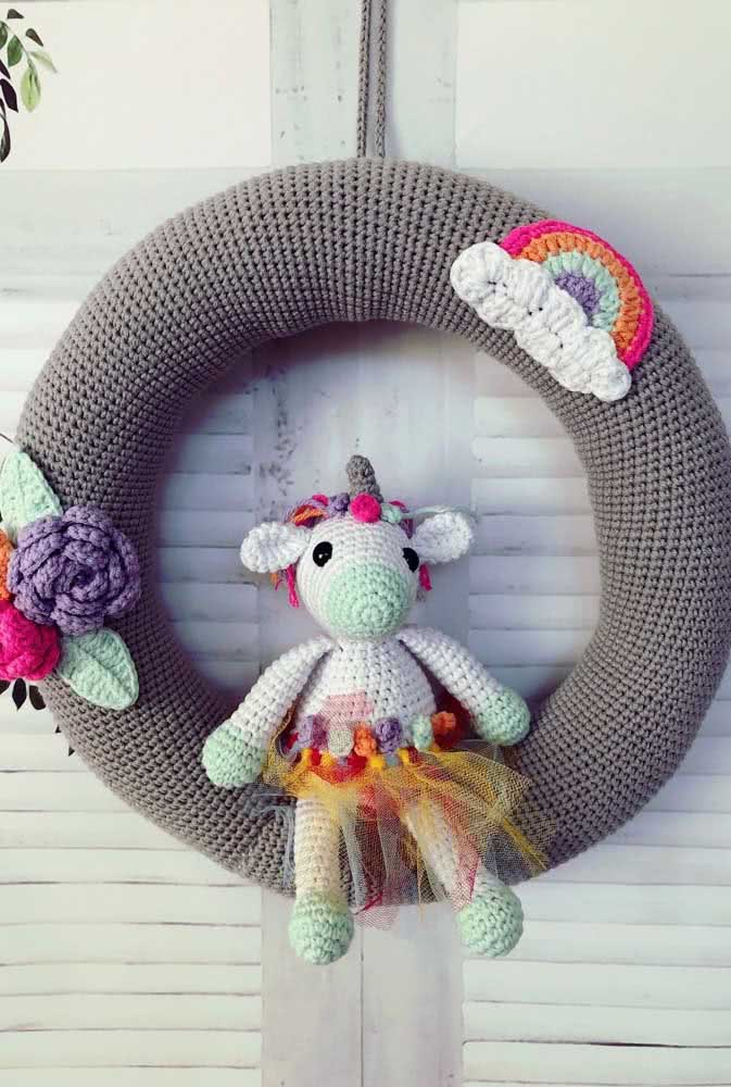 What do you think of a unicorn garland?  Beautiful and creative idea