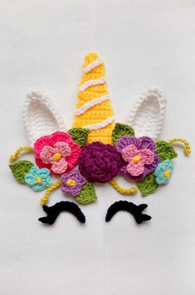 Crochet unicorn to use as an applique on bags, clothes and wherever else you want