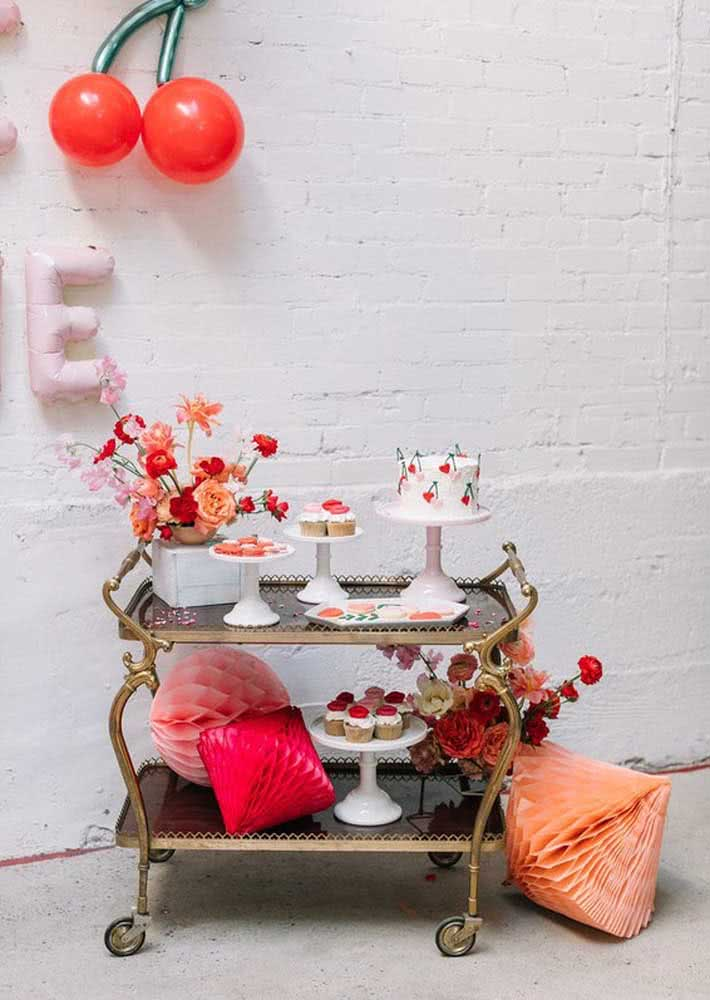 Instead of a table, a cake trolley