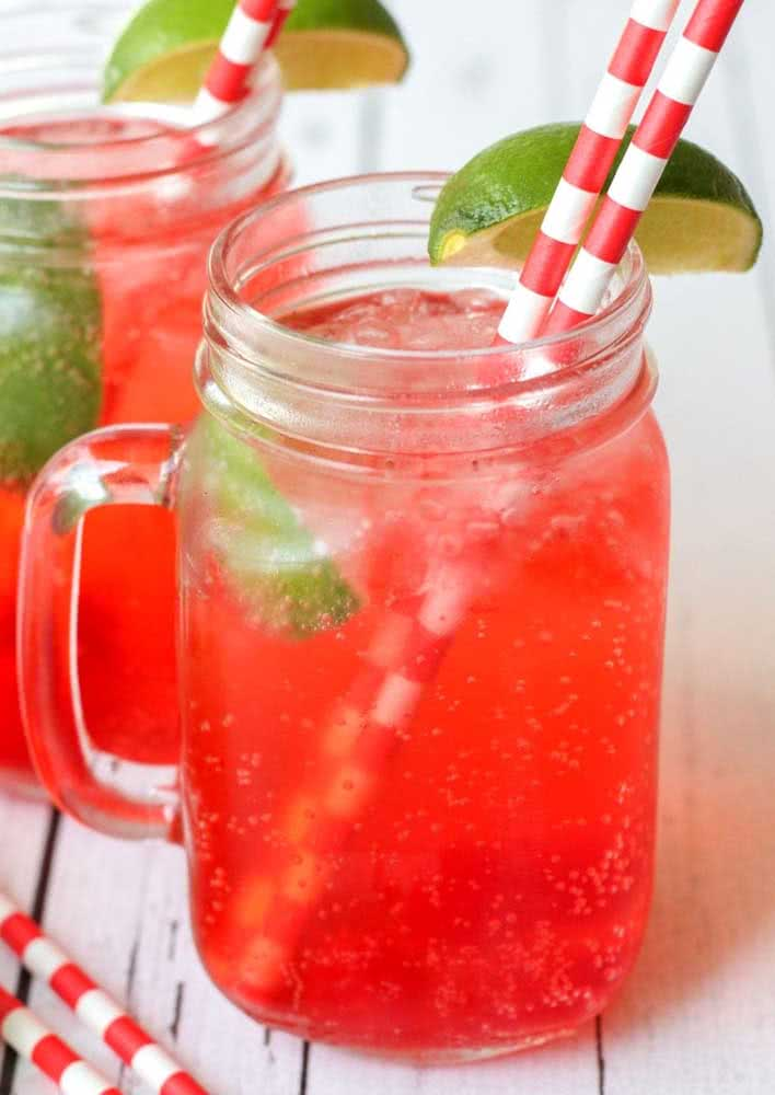 To refresh, a cherry juice with lemon