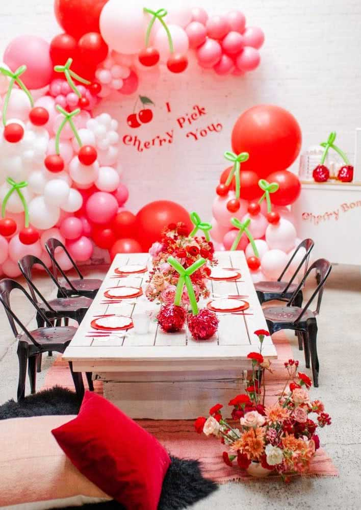 Black brought a touch of style and elegance to the table set at the cherry party