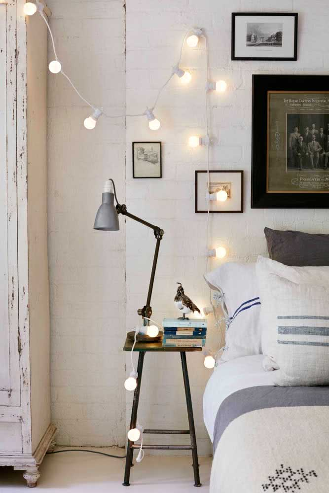 Polka dot lamps to illuminate the side of the bed